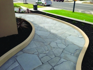 Bluestone SaBluestone Crazy Pavingwn finish Crazy Paving