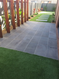 Bluestone Sawn finish 600x300x20mm Paving