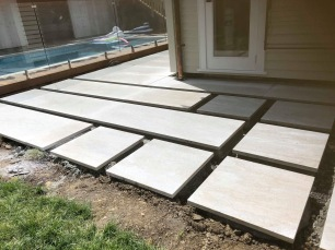 White Quartzite Slabs and Steppers