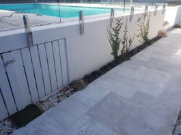 White Quartzite Square Edge Pool Coping with Ashlar Paving_6